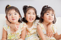施主Hさんの 娘さん三姉妹