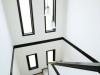 吹き抜けが開放的な階段ホール。