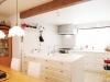 家具調のセパレート型オーダーキッチン。パントリーを設置し、収納を解決。スッキリとしたキッチンに。