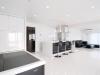 和室、洋室、LDKを一続きの大空間に。収納を充実させ、生活必需品は使いやすい位置に隠して収納。