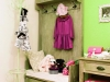 パリの女の子の部屋をイメージしたかわいいコーディネート。子供服は贈り物としても人気。