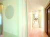 大きく確保した玄関ホール。床はスカンジナビアフローリング。